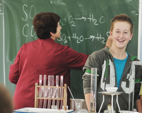 Advantages Of Learning Chemistry From A Chemistry Tutor